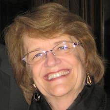 โพรไฟล์ผู้ใช้ Suzanne