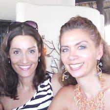 Yvette & Monica es el anfitrión.