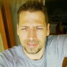 Róbert User Profile