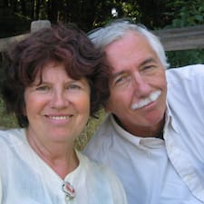 โพรไฟล์ผู้ใช้ Rita & Edward