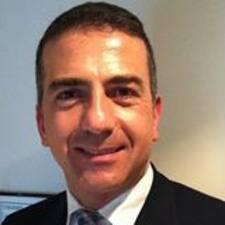 Mauro Esposito est l'hôte.