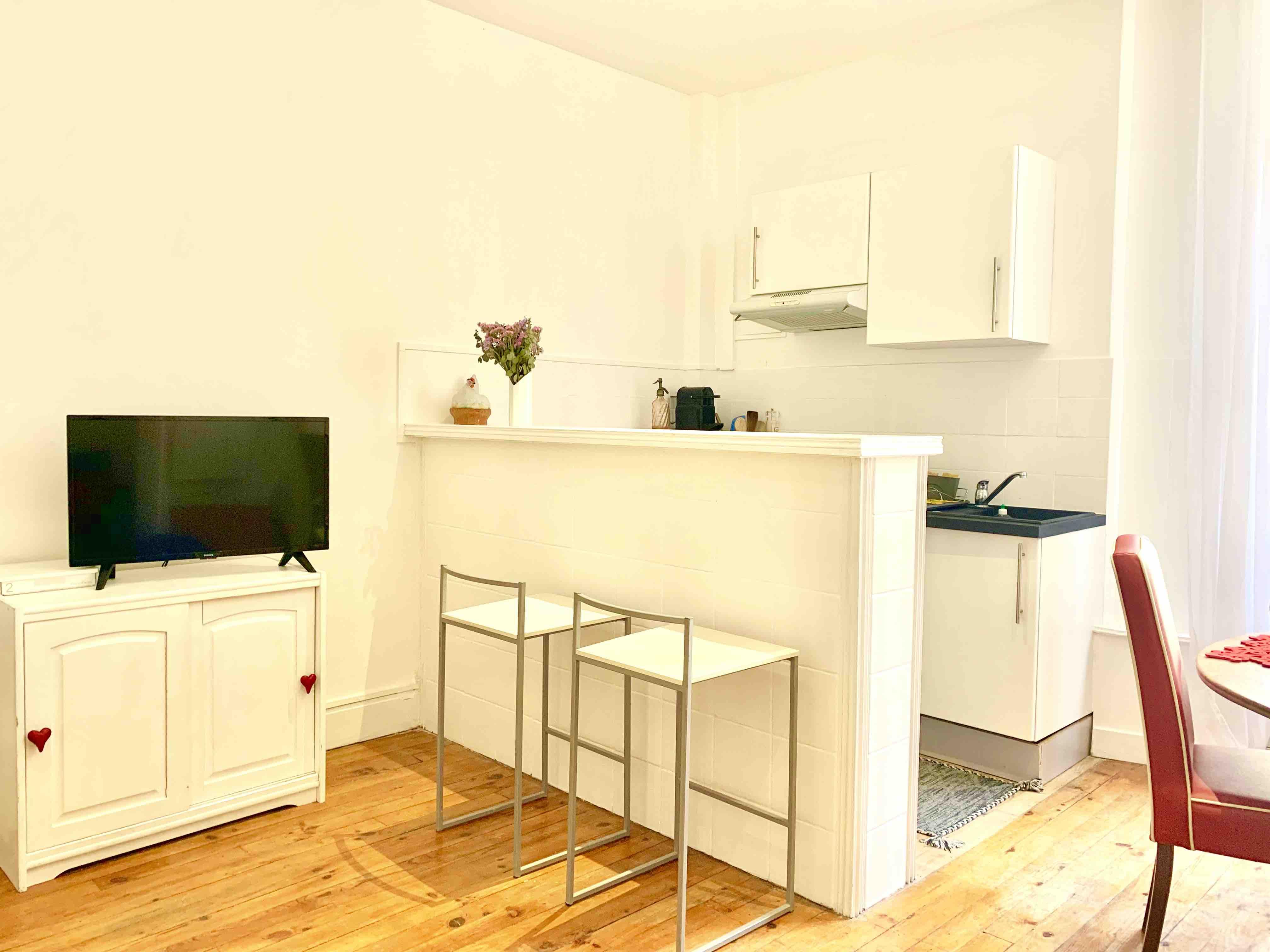 Decoration CHIC T20 AU CALME Place REINE MARGUERITE - Apartamentos