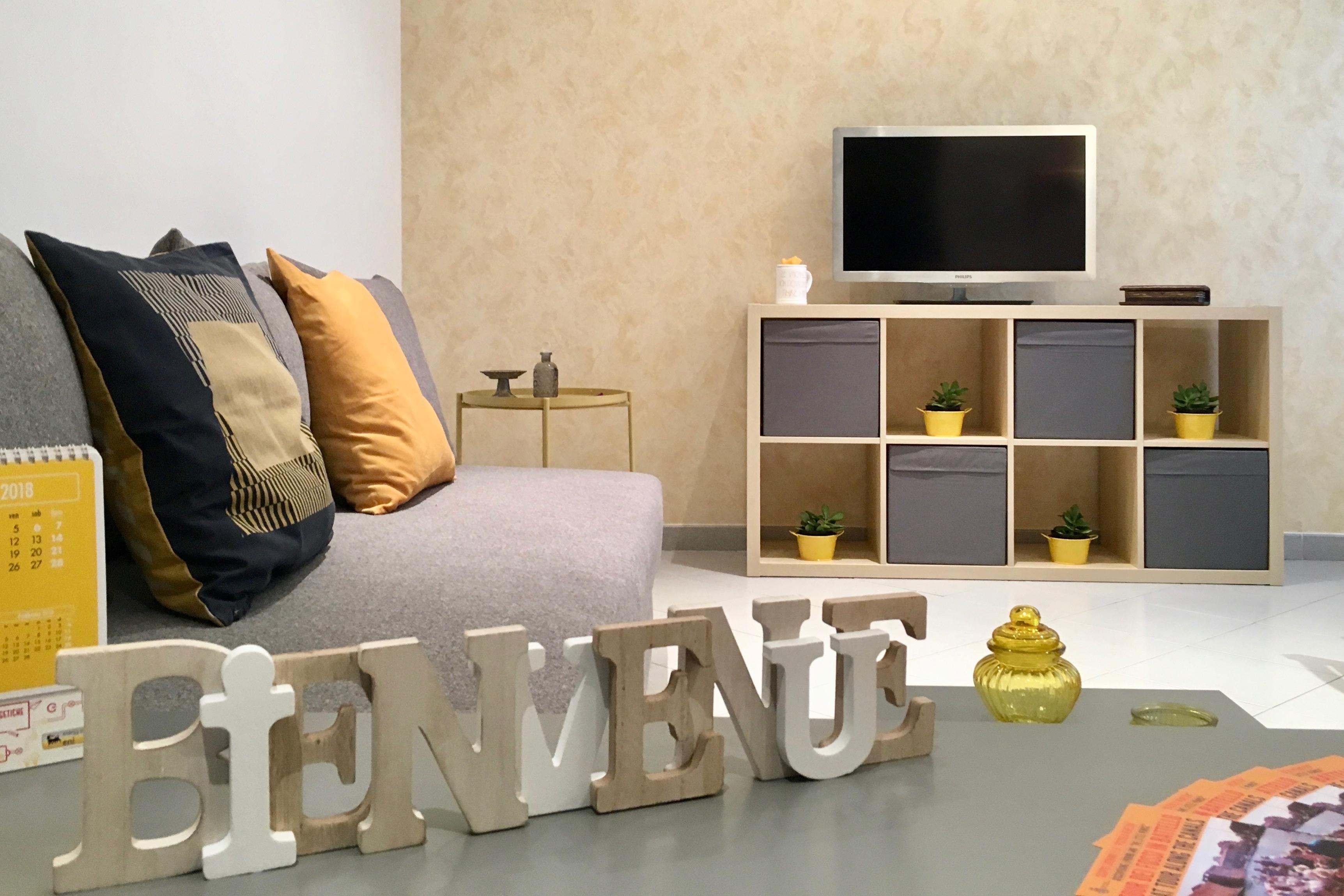 Armadio Ripostiglio Ad Angolo soggiorno europa - free parking - apartments for rent in