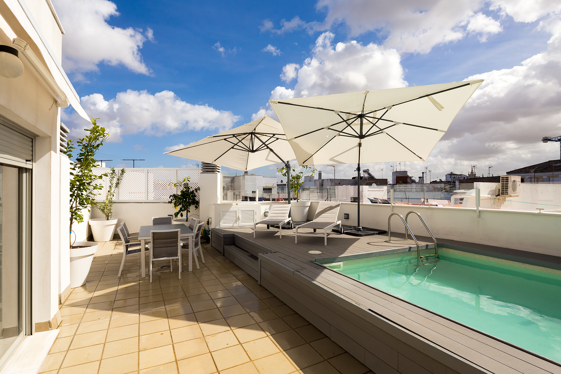 Cervantes. 2 bedrooms, terrace & private pool - Apartments for Rent in  Sevilla, Andalucía, Spain