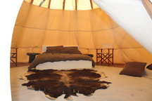 Rustic Luxury in a Tipi & Breakfast