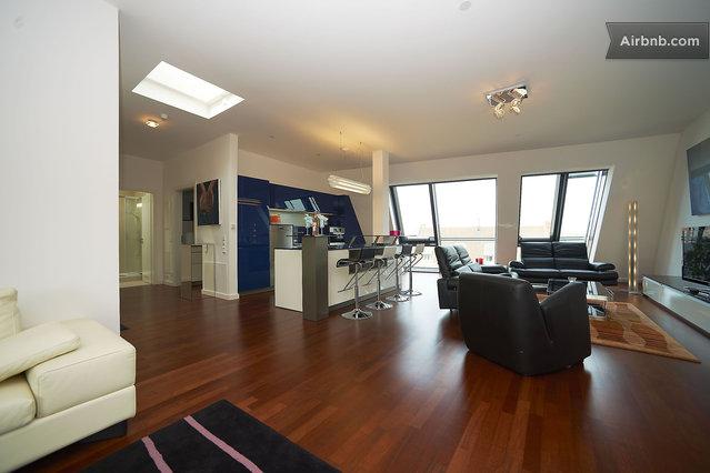 luxus penthouse 3sz 3bz parkhaus in berlin. Black Bedroom Furniture Sets. Home Design Ideas