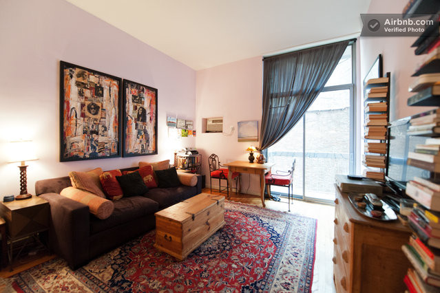 New york vacation rentals short term rentals airbnb for Nyc greenwich village apartments