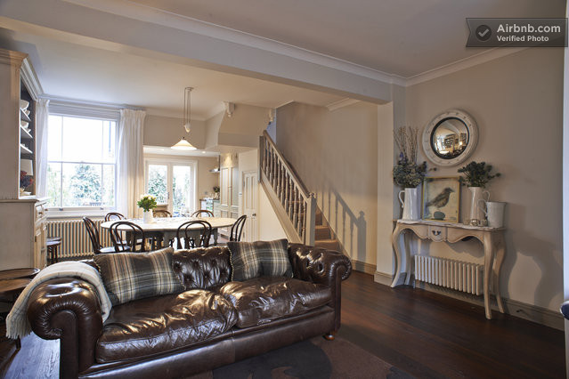 London holiday rentals accommodation airbnb for Funky house london