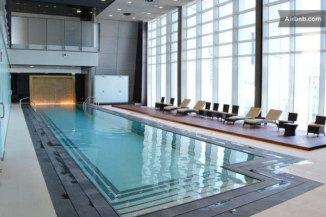 Luxury in front of burj khalifa in dubai for Burj khalifa swimming pool 76th floor