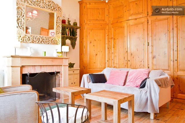 jolie maison avec jardin in toulouse. Black Bedroom Furniture Sets. Home Design Ideas