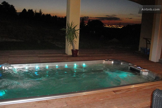 Studio bellevue piscine et jacuzzi vieille toulouse for Piscine bellevue toulouse