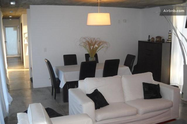 Pdeeste casa moderna minimalista for Casa minimalista uy
