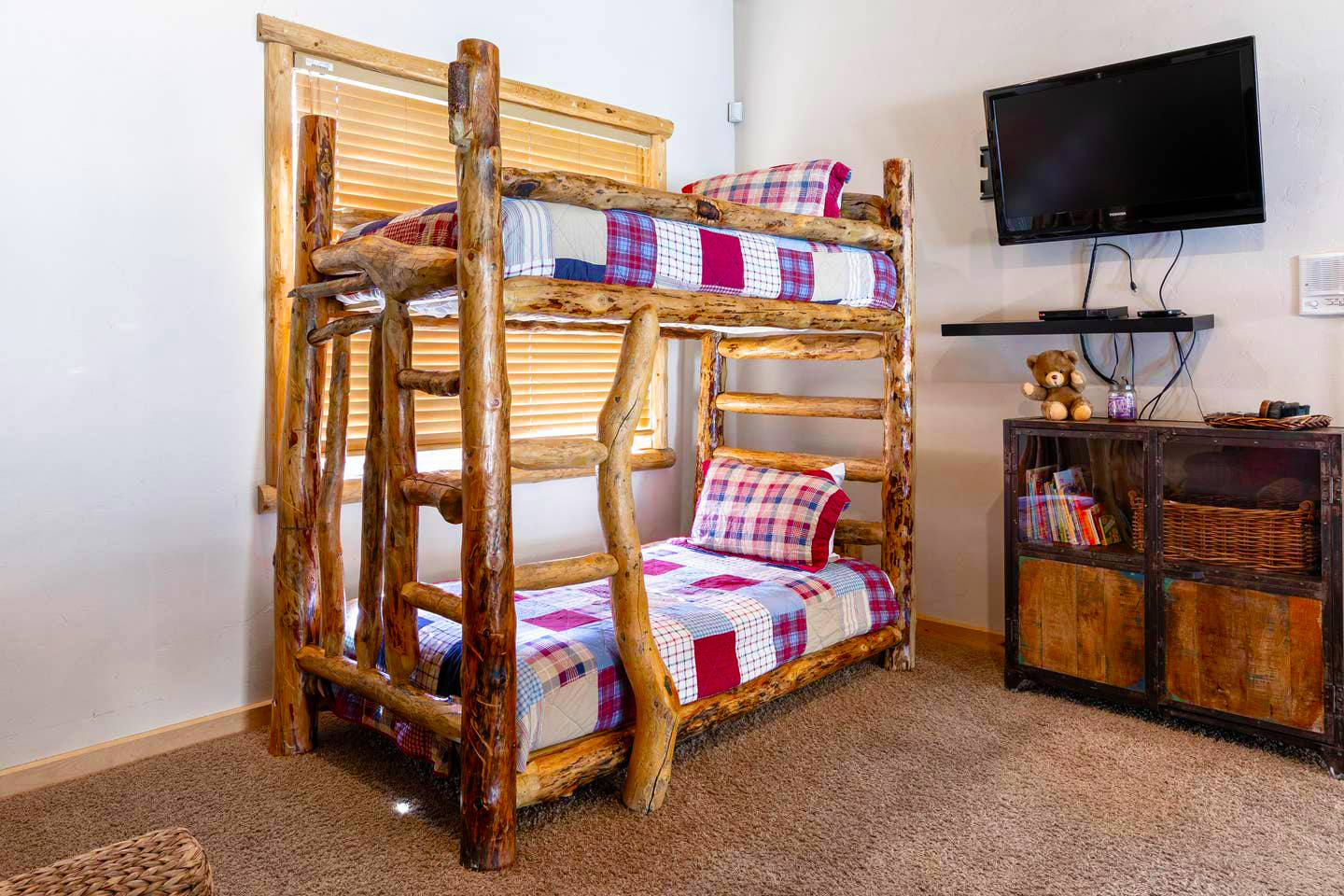 Picture of: Teddy Bears Cabin Lake Village Cabins For Rent In Big Bear Lake California United States
