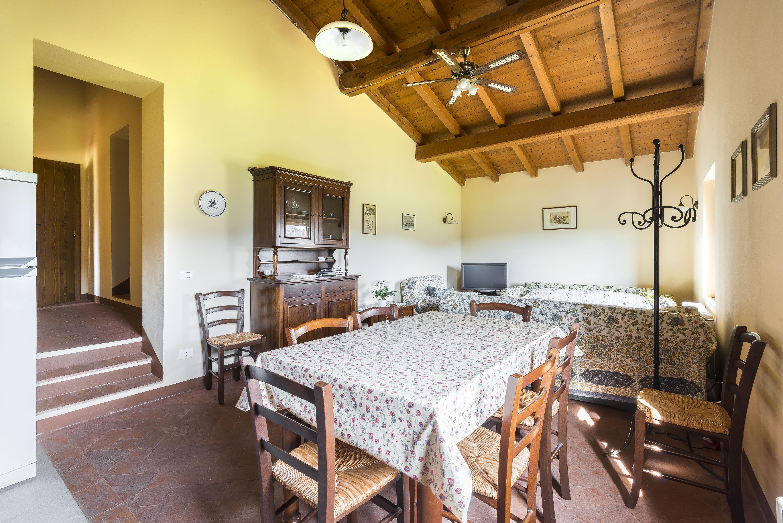 Il Portico Di Sam apartment la torre - farm stays for rent in comune