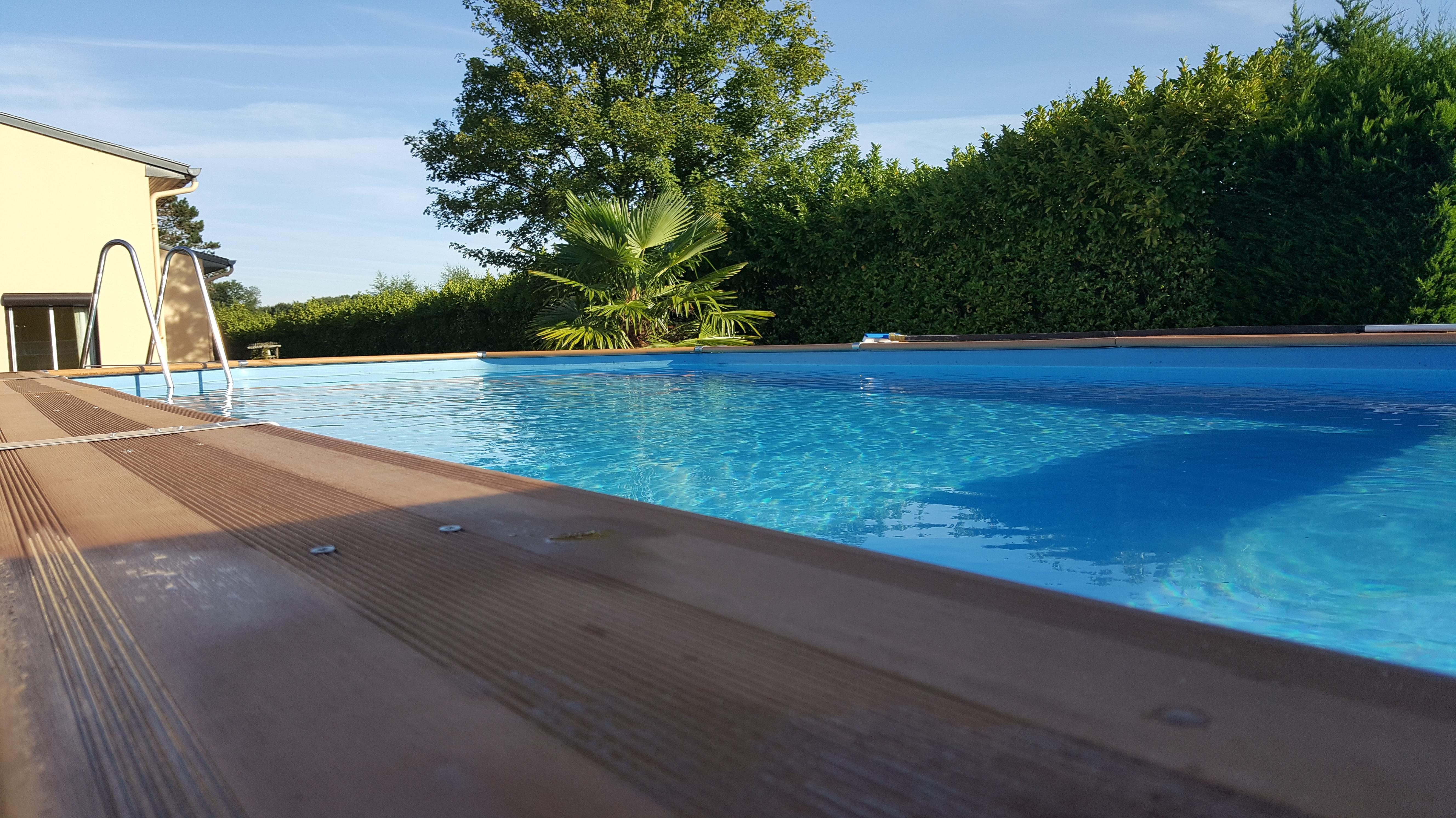 Maison A Proximite De Fontainebleau Avec Piscine Suites A Louer