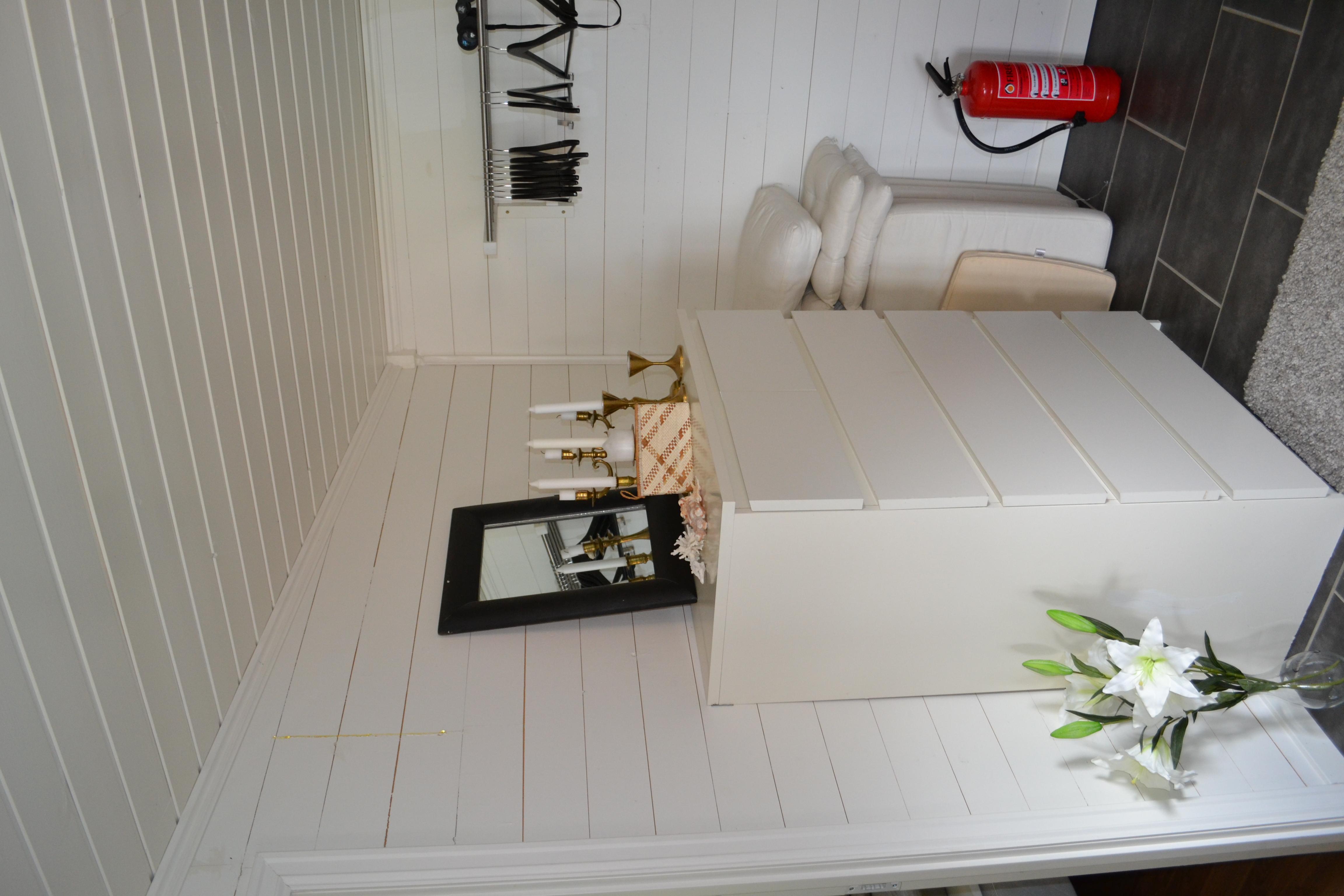 Hedenstad Gård cosy modern Norwegian farmhouse Gjestehus