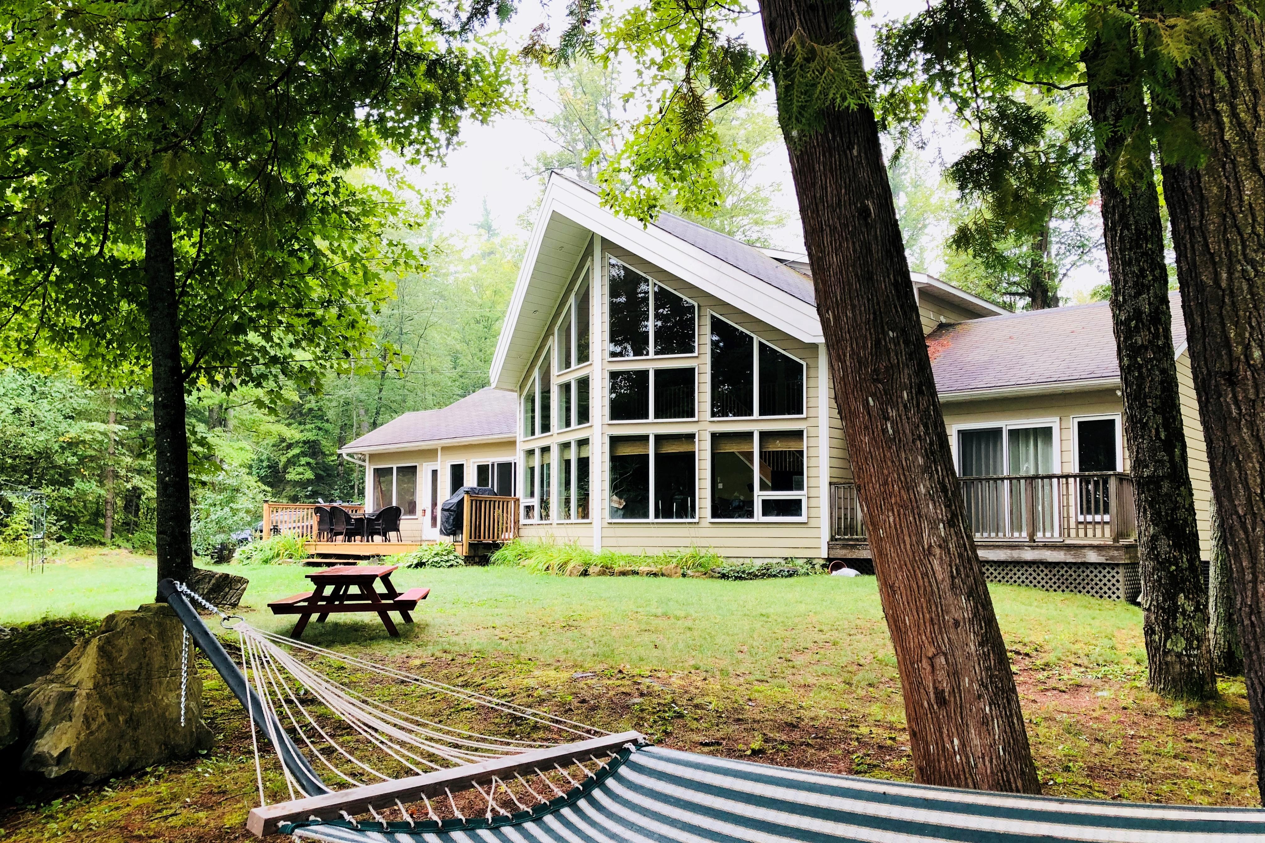 Lakefront Cottage Near Bon Echo Provincial Park   Häuschen zur ...