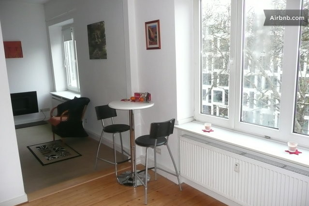 72 qm zwischen messe und altstadt in d sseldorf. Black Bedroom Furniture Sets. Home Design Ideas