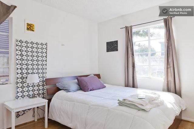 locations saisonni res et villas los angeles airbnb. Black Bedroom Furniture Sets. Home Design Ideas