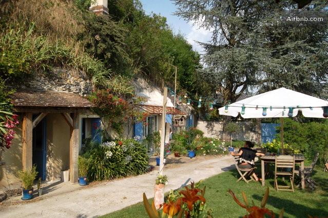 Locations saisonni res et locations de courte dur e tours airbnb - Chambre d hote troglodyte tours ...
