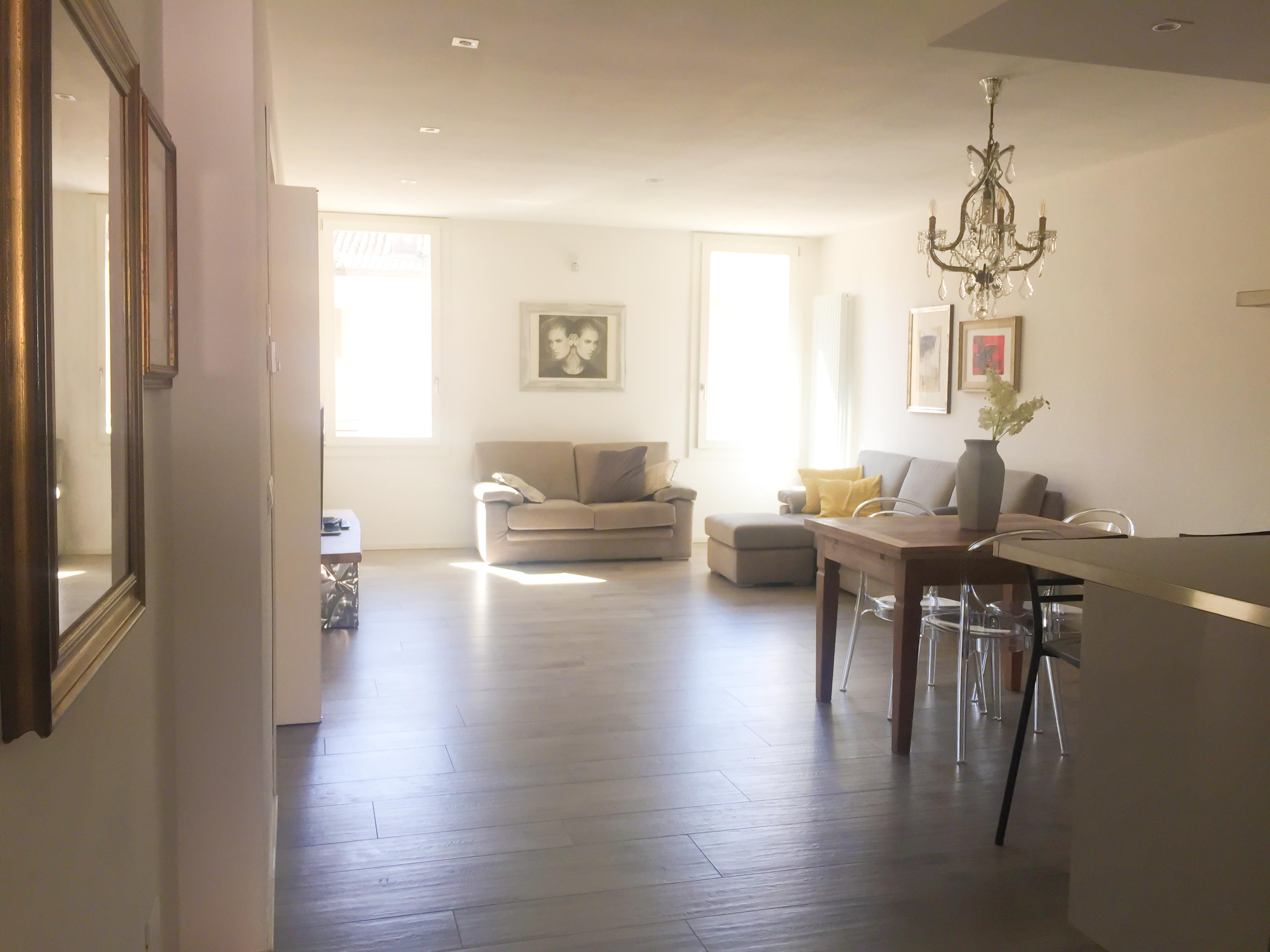 Arredamento Emilia Romagna appartamento in piazza a correggio - apartments for rent in