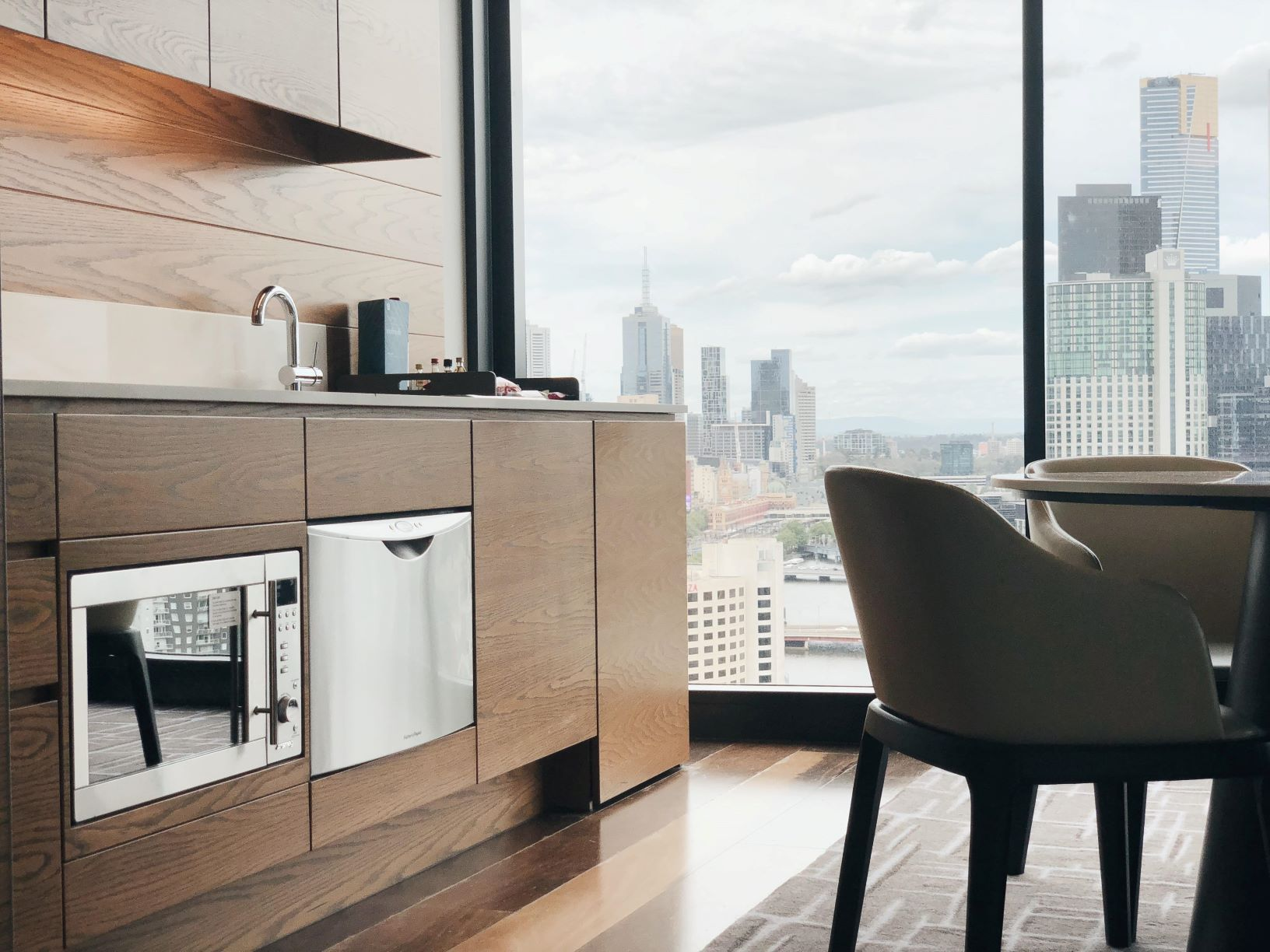 Two Bedroom City Skyline Suite Aparthotels For Rent In Melbourne Victoria Australia