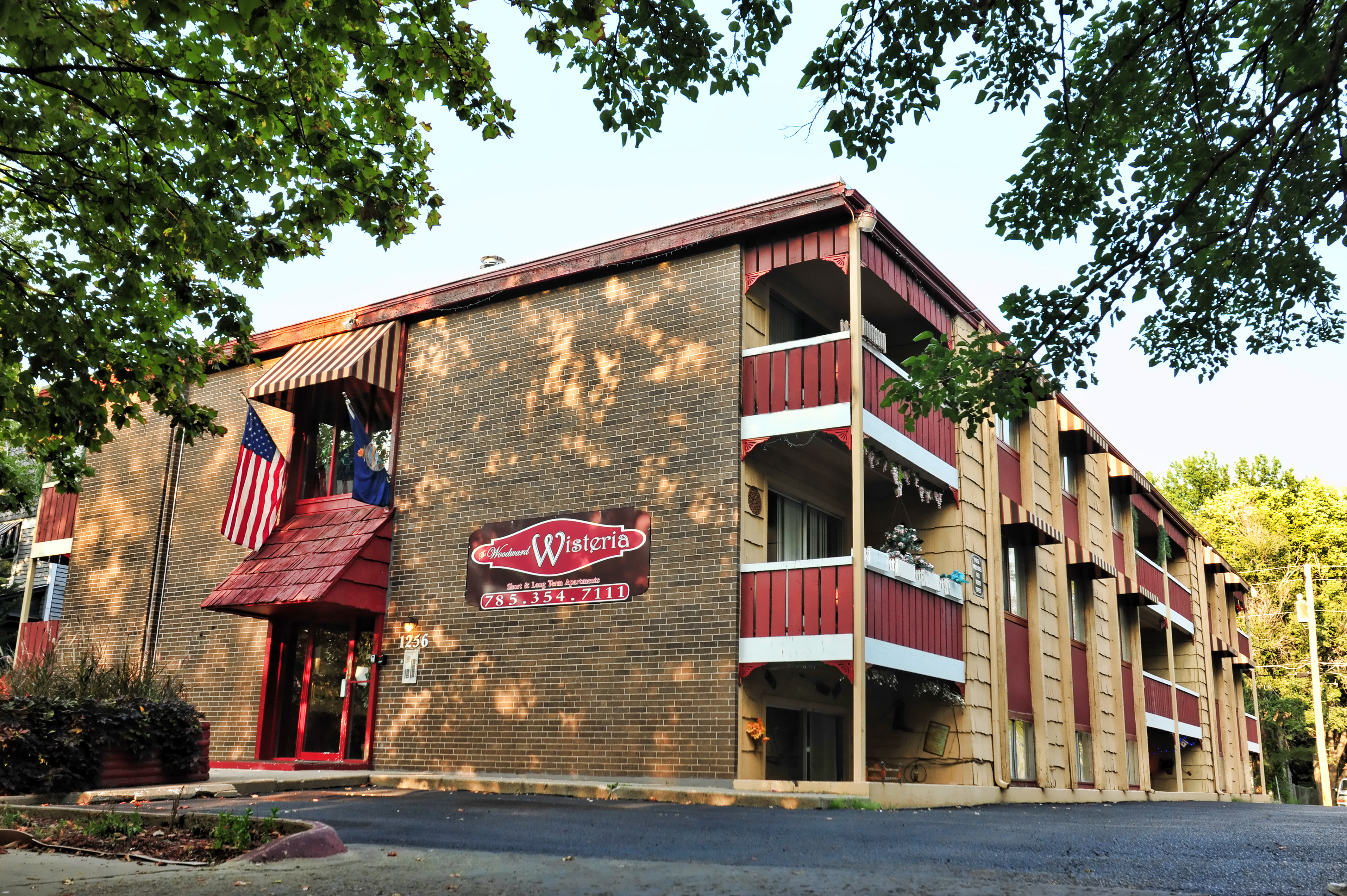 Monthly Extended Stay Moderate Hotel Apartments Apartments For Rent In Topeka Kansas United States