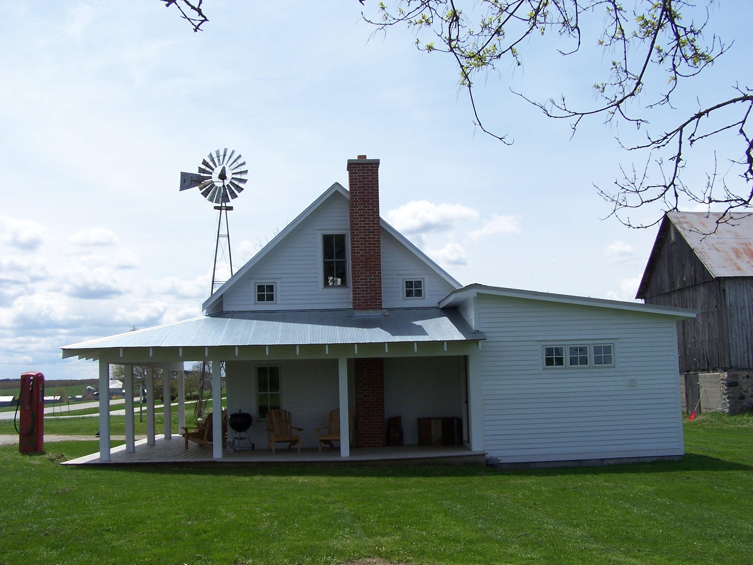 Leelanau County Modern Farm Cottage