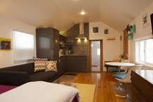 Downtown Mapleton Studio/Guesthouse