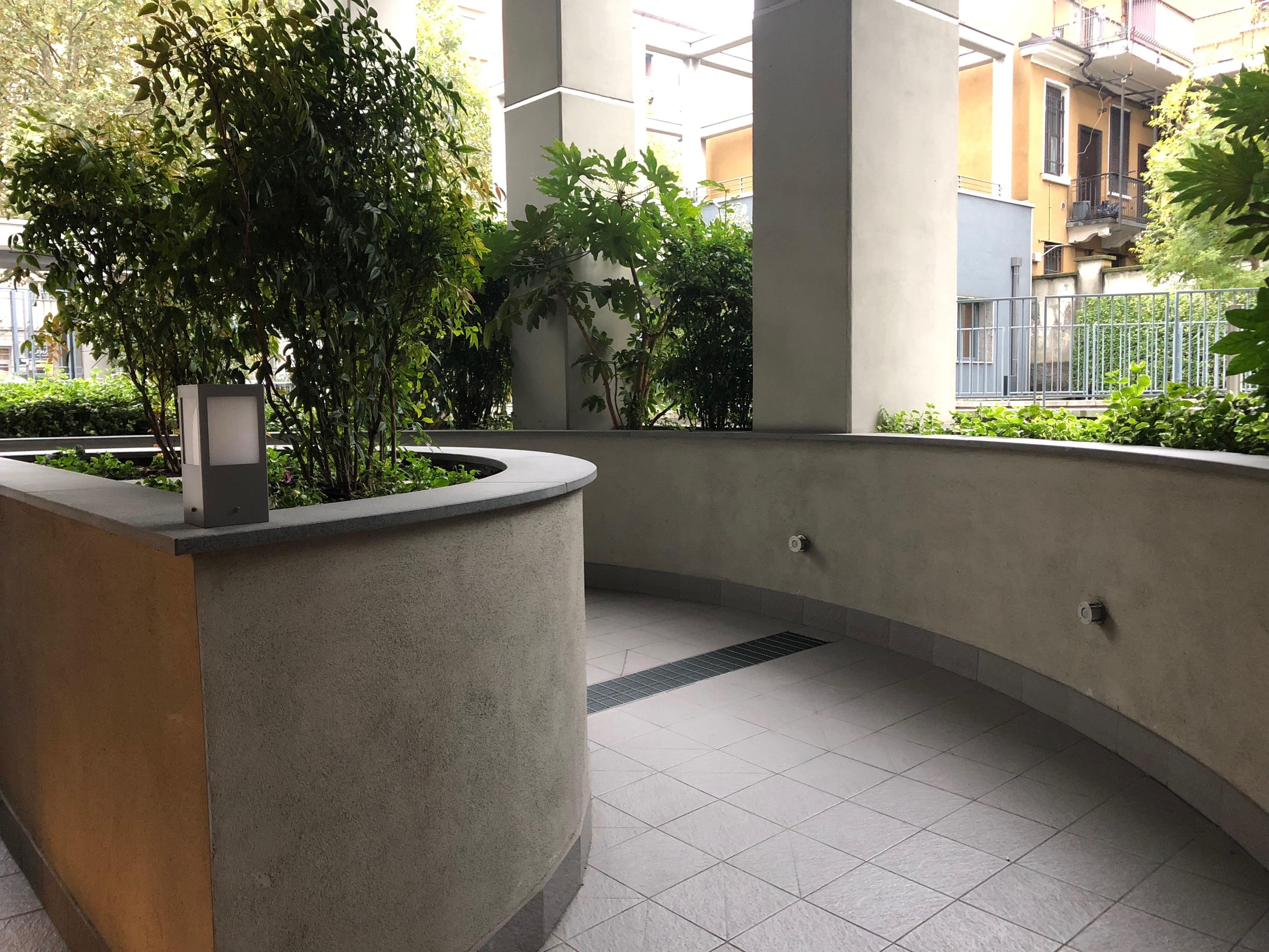 Casa 60 Mq Pianta la pianta grassa, (p.romana-bocconi, vicino duomo