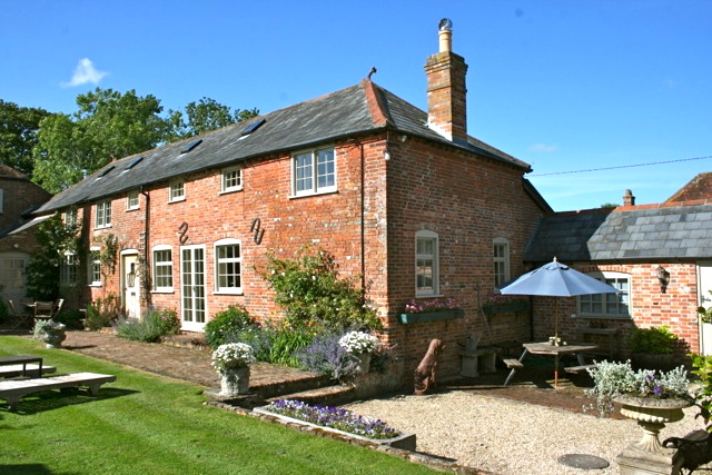 Charming 17th Century Farm House Cottages For Rent In Lymington Hampshire United Kingdom