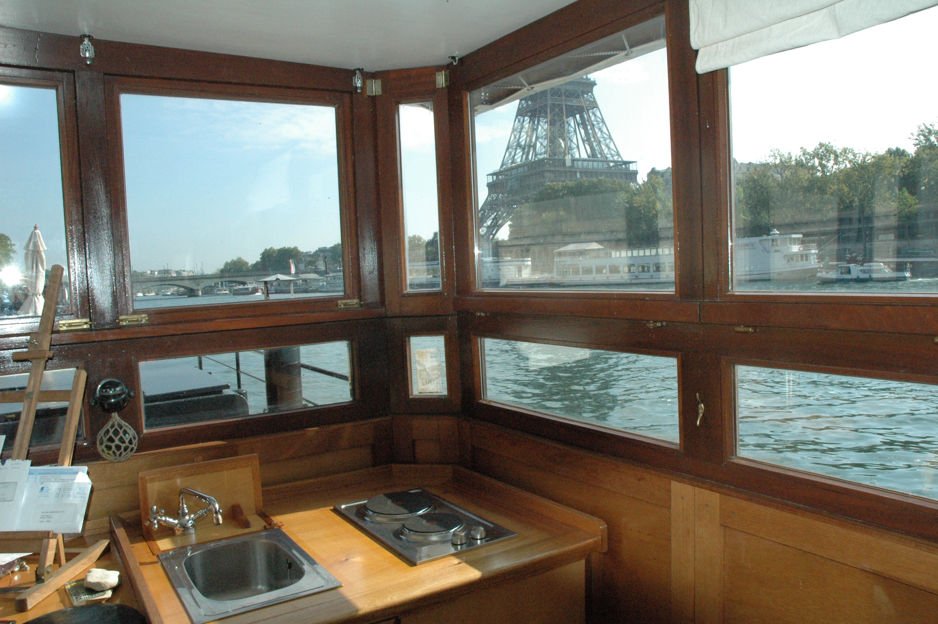 Great Houseboat facing Eiffel Tower - Boats for Rent in Paris, Île ...