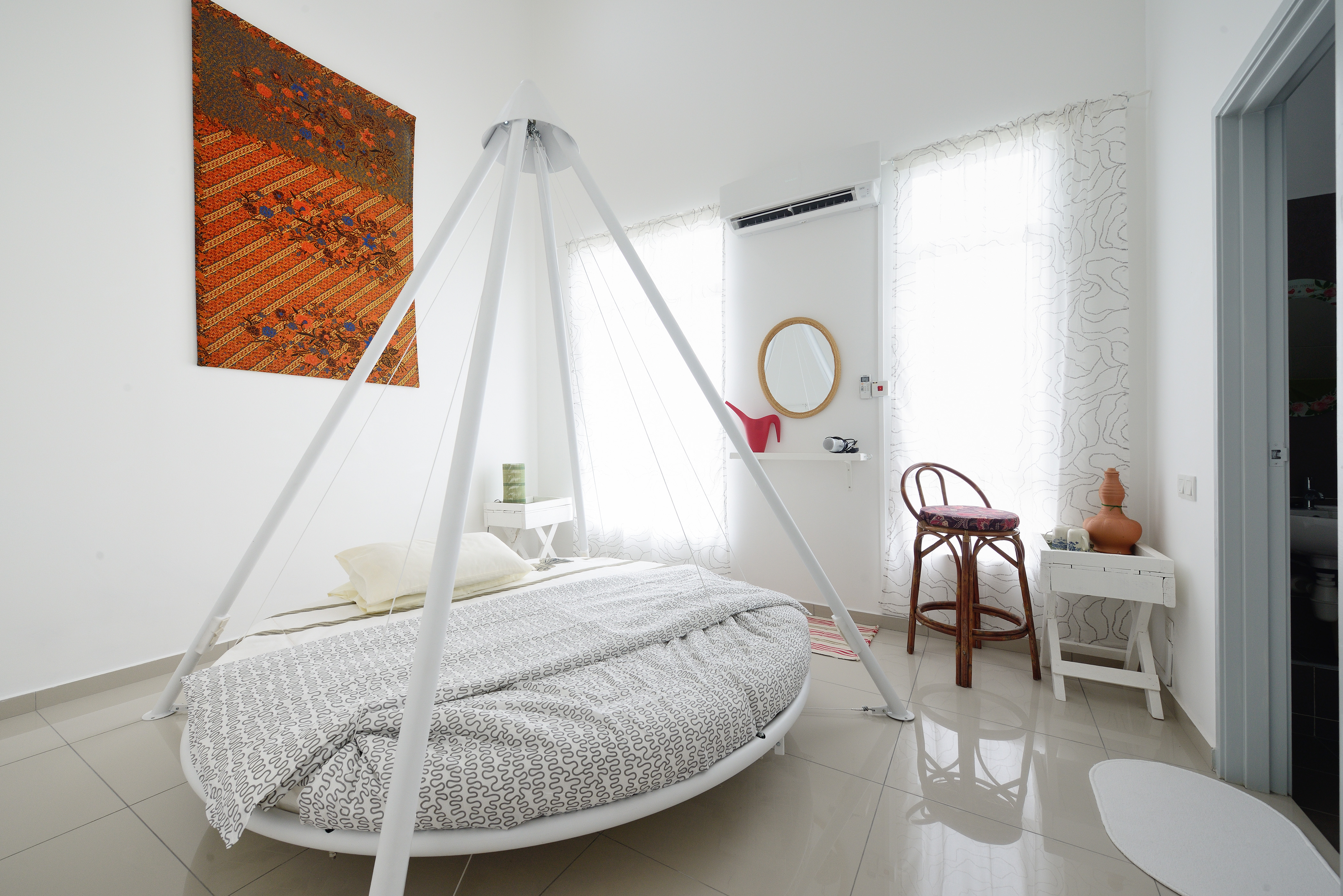 Lullaby Romantic Round Swing Bed Guest Suites For Rent In Johor Bahru Johor Malaysia
