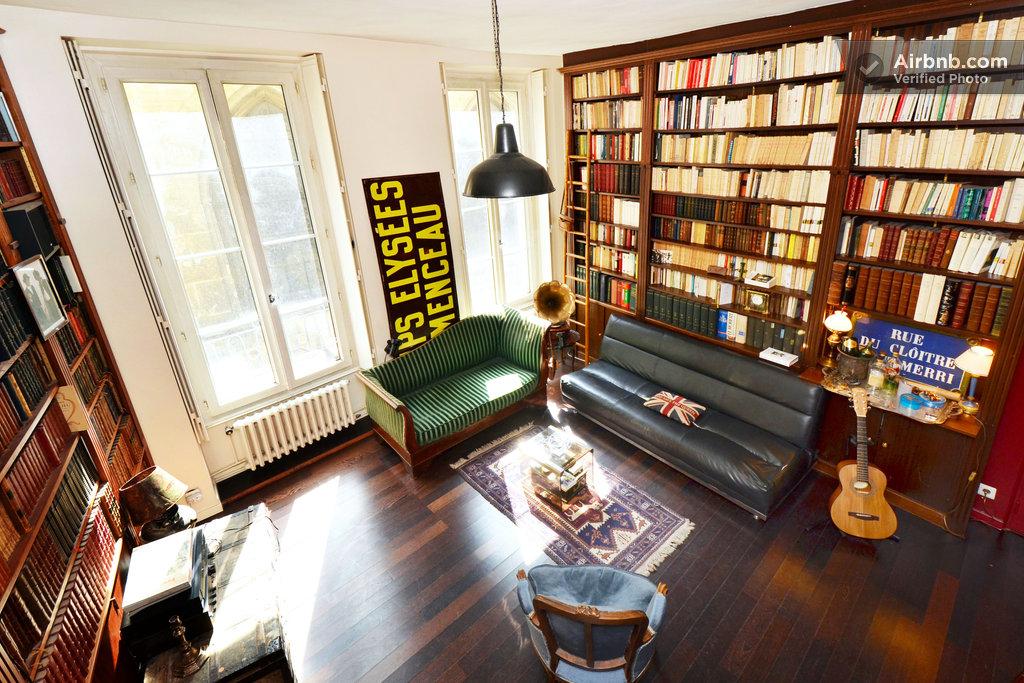 marais stunning writer 39 s studio in paris. Black Bedroom Furniture Sets. Home Design Ideas