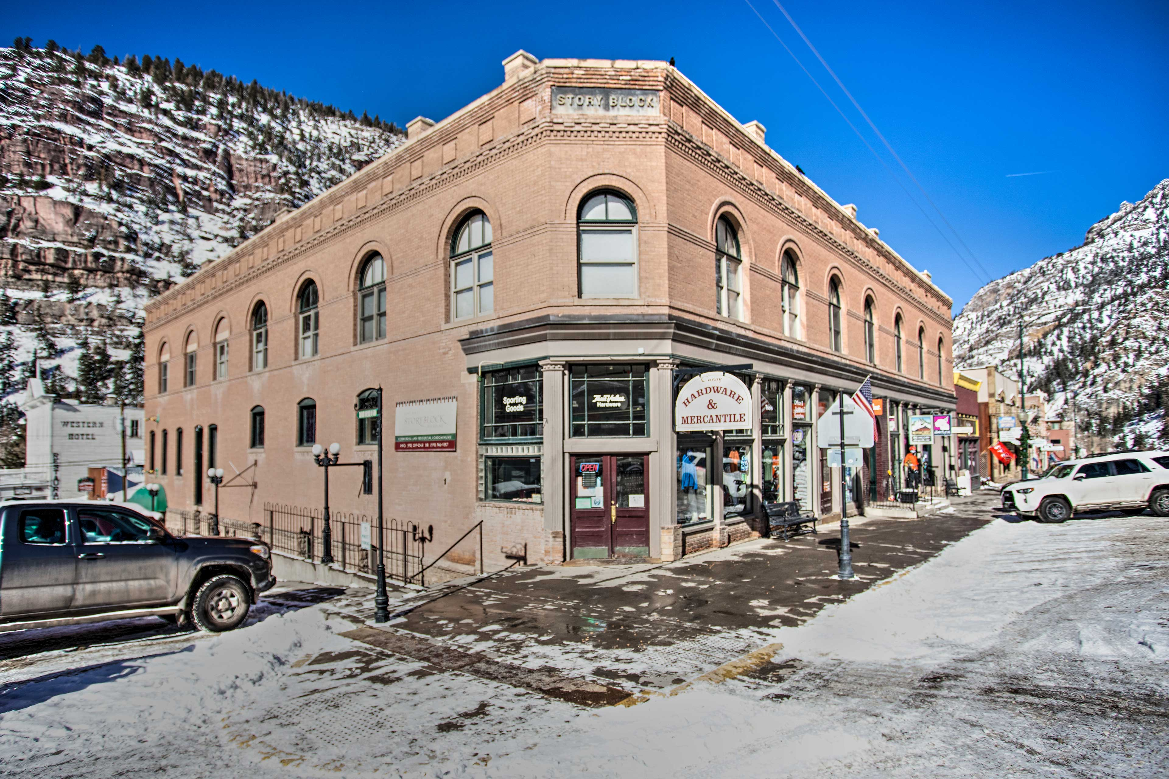 New Hallmark Hideaway Walk To Ouray Hot Springs Condominiums For Rent In Ouray Colorado United States