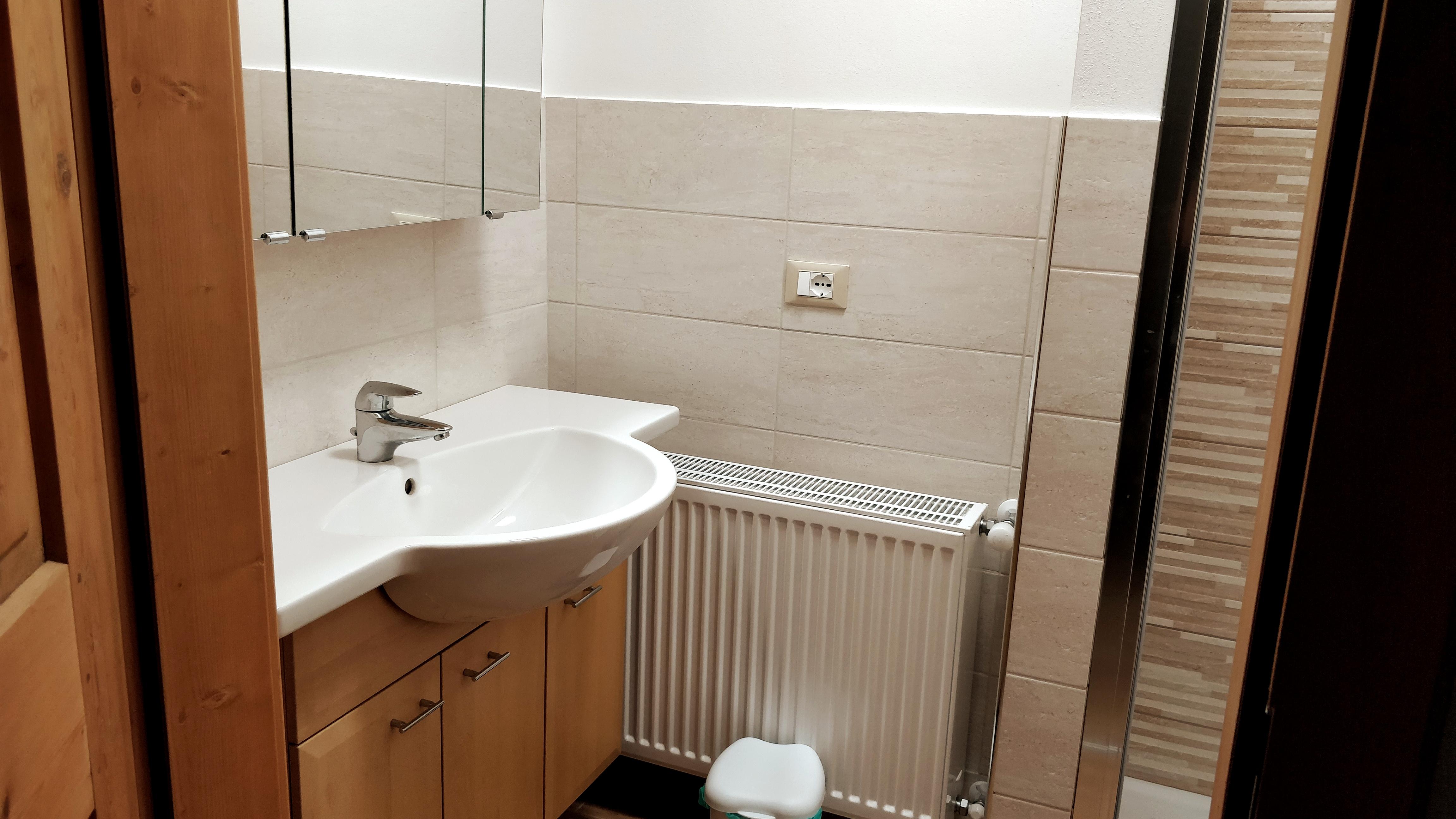 Mobili In Legno Massiccio Trentino two rooms in merano - apartments for rent in merano