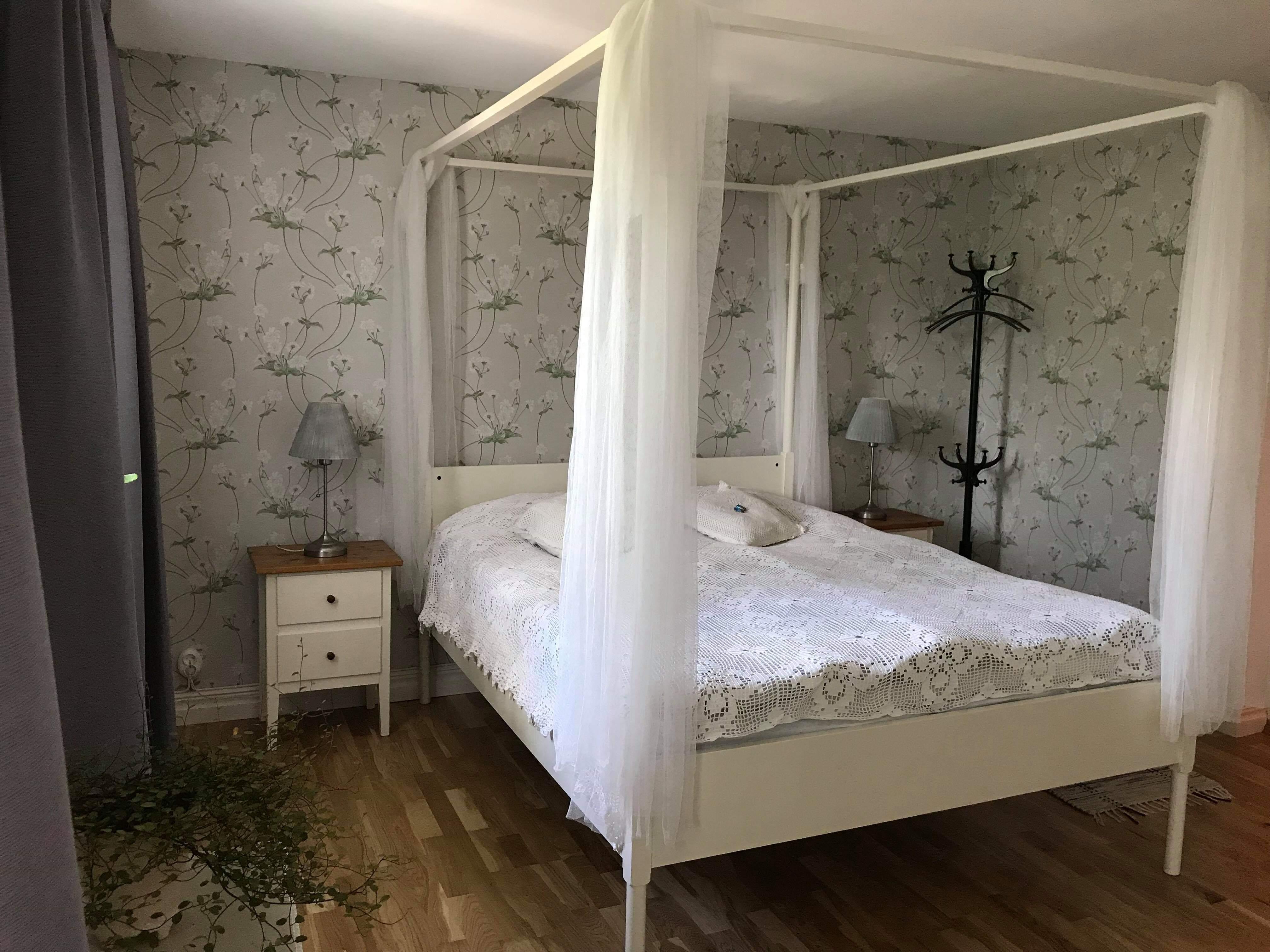 Hsslunda fattigstuga B&B, rum Viola - Bed and - Airbnb