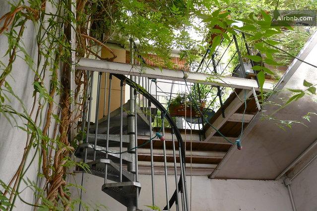 terrasse metallique suspendue recherche google terrasse pinterest google and search. Black Bedroom Furniture Sets. Home Design Ideas