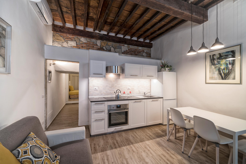 Armadio Da Garage vacation rentals, homes, experiences & places - airbnb