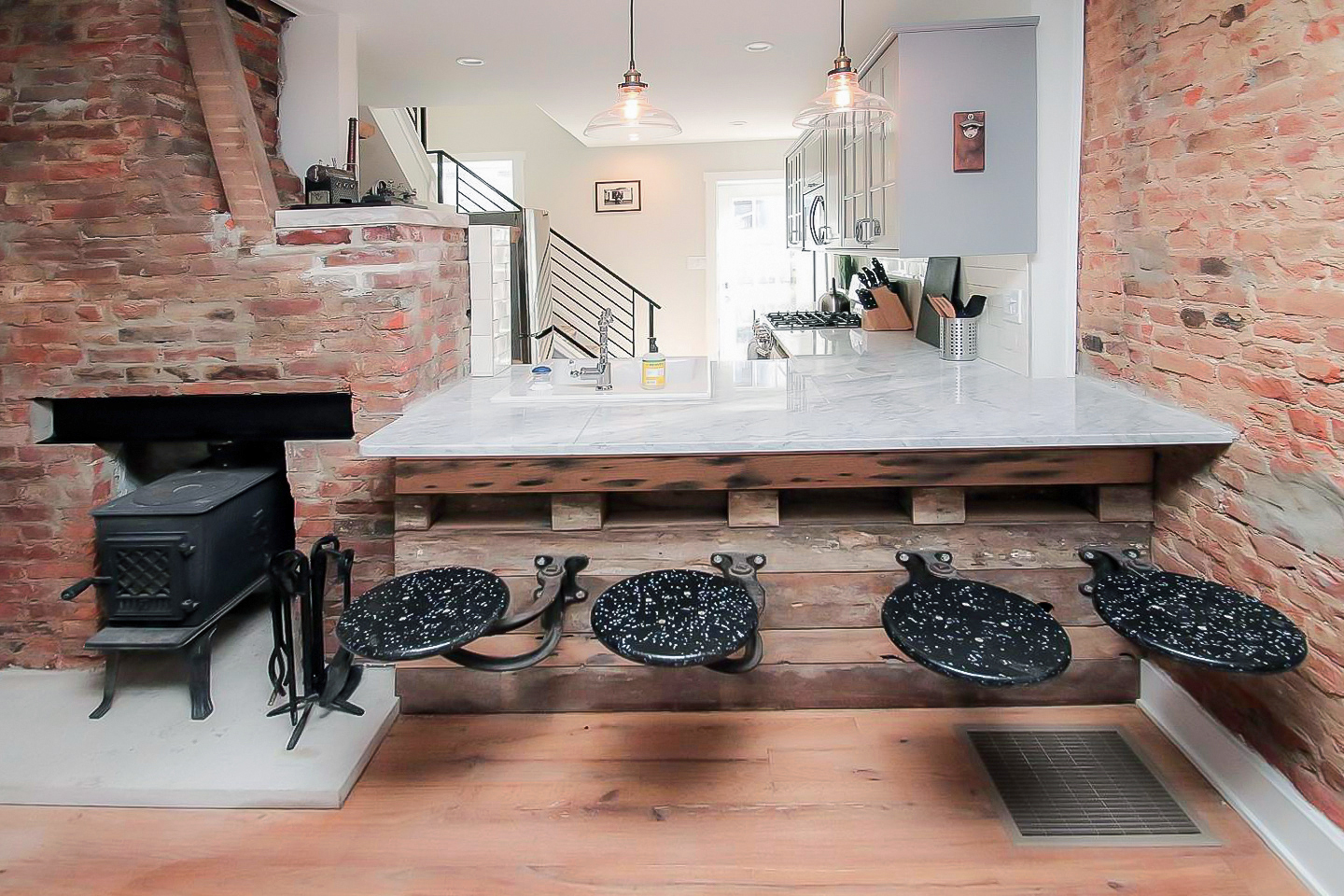 Liberty Bell Urban Lodge Near Center City Townhouses For Rent In Philadelphia Pennsylvania United States