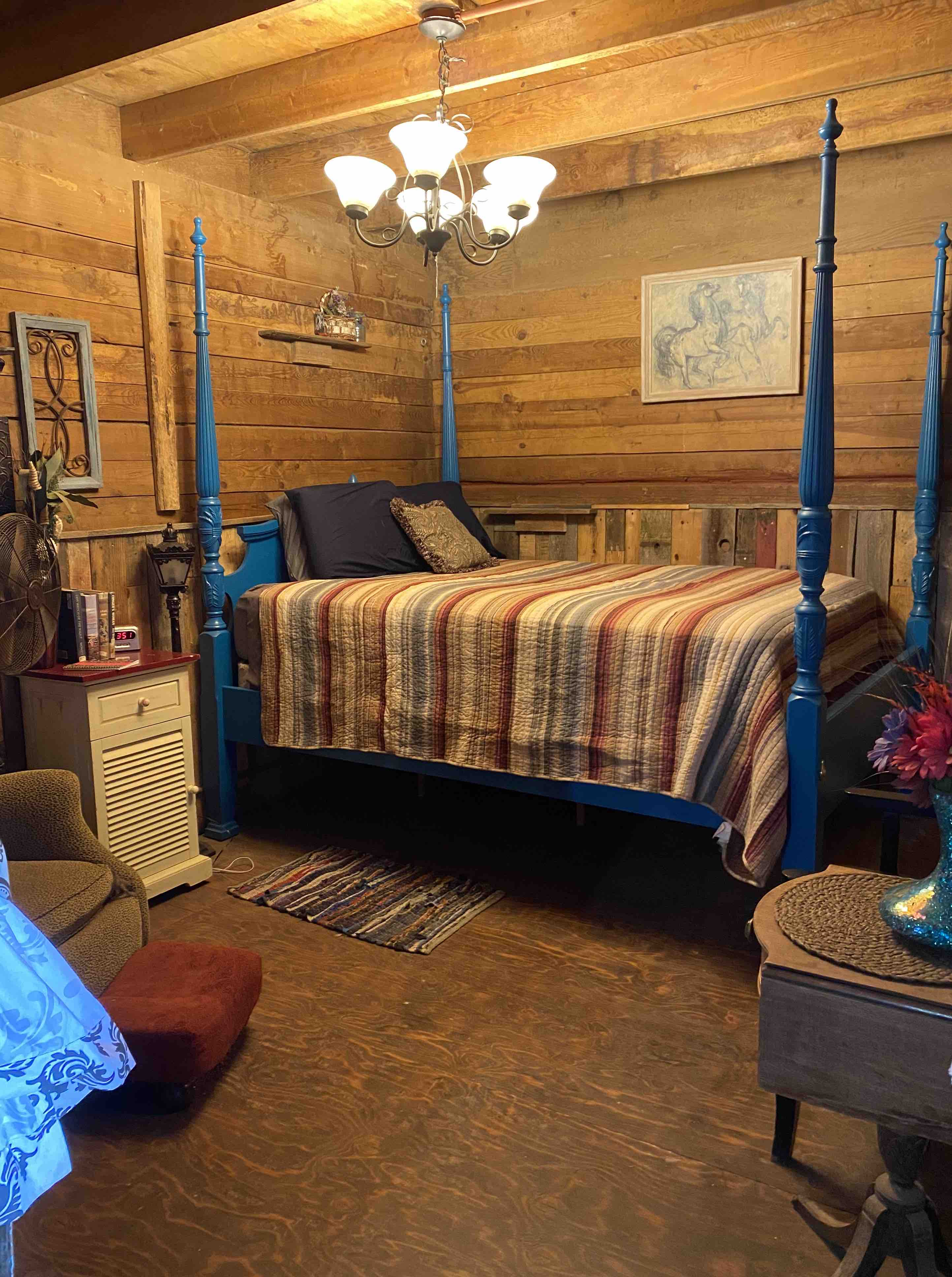 Authentic Barn Bnb Stall 2 Bed In Barn Barns For Rent In Spokane Washington United States