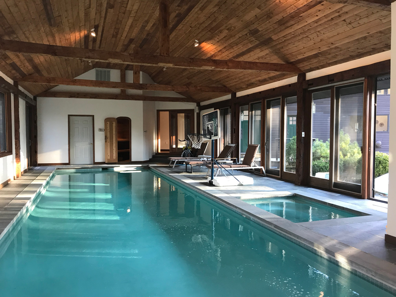 airbnb with pool ny