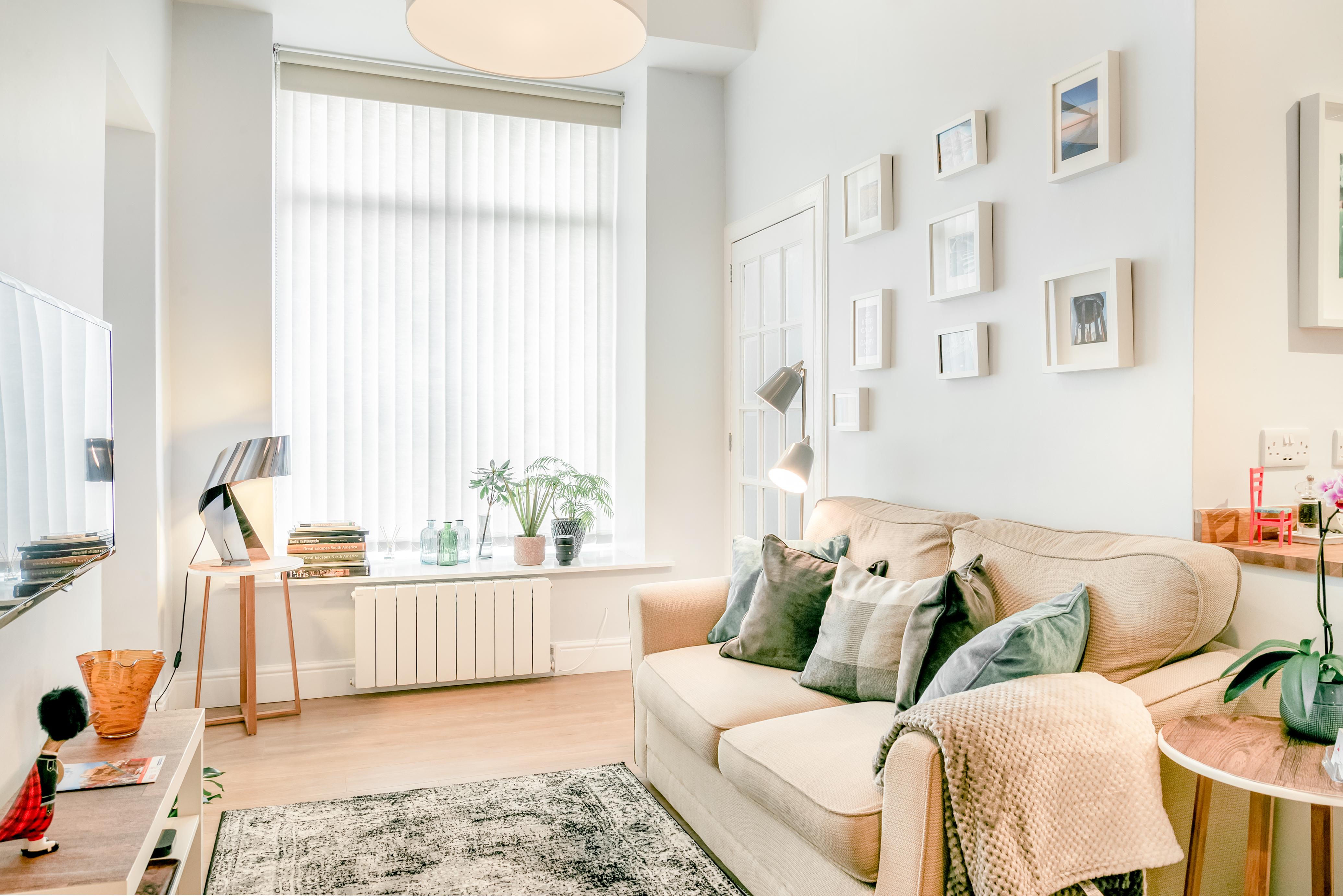 Enjoy A Morning Run To Calton Hill From A Main Door Flat Flats For Rent In Edinburgh Midlothian United Kingdom