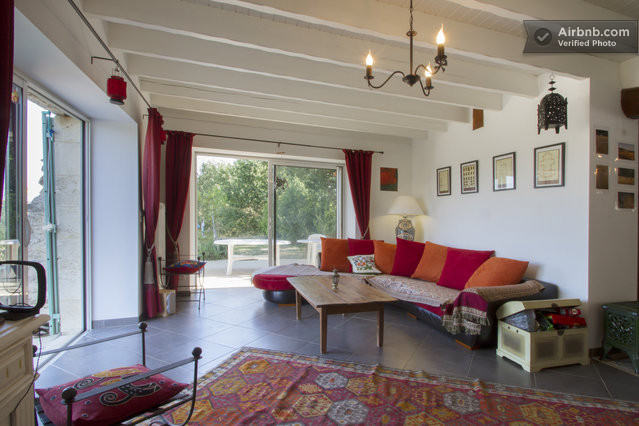 bordeaux vignoble belle maison in saint martin du puy. Black Bedroom Furniture Sets. Home Design Ideas