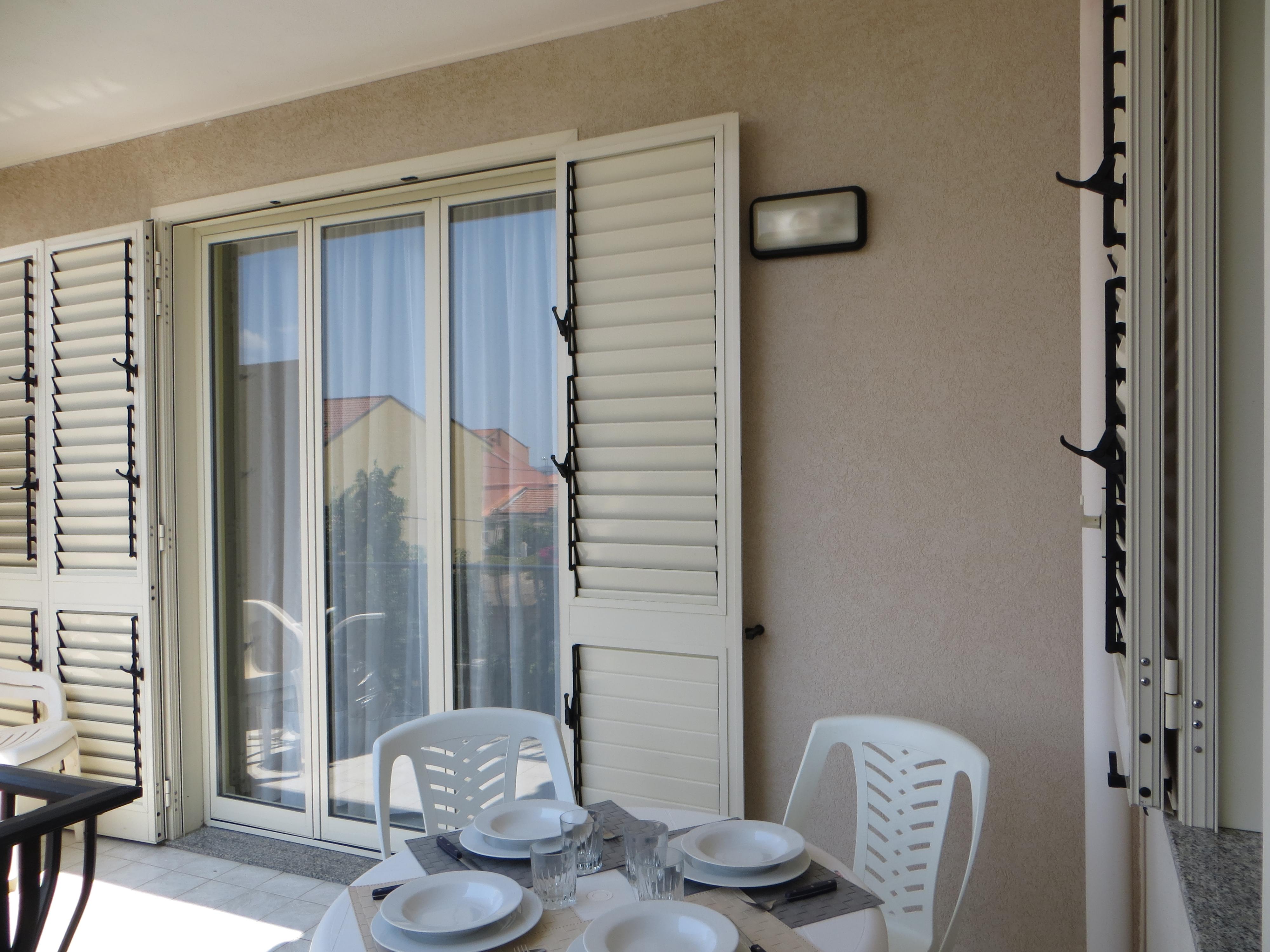 Sedie Alte Da Bar Design casa maestrale torre faro messina - apartments for rent in