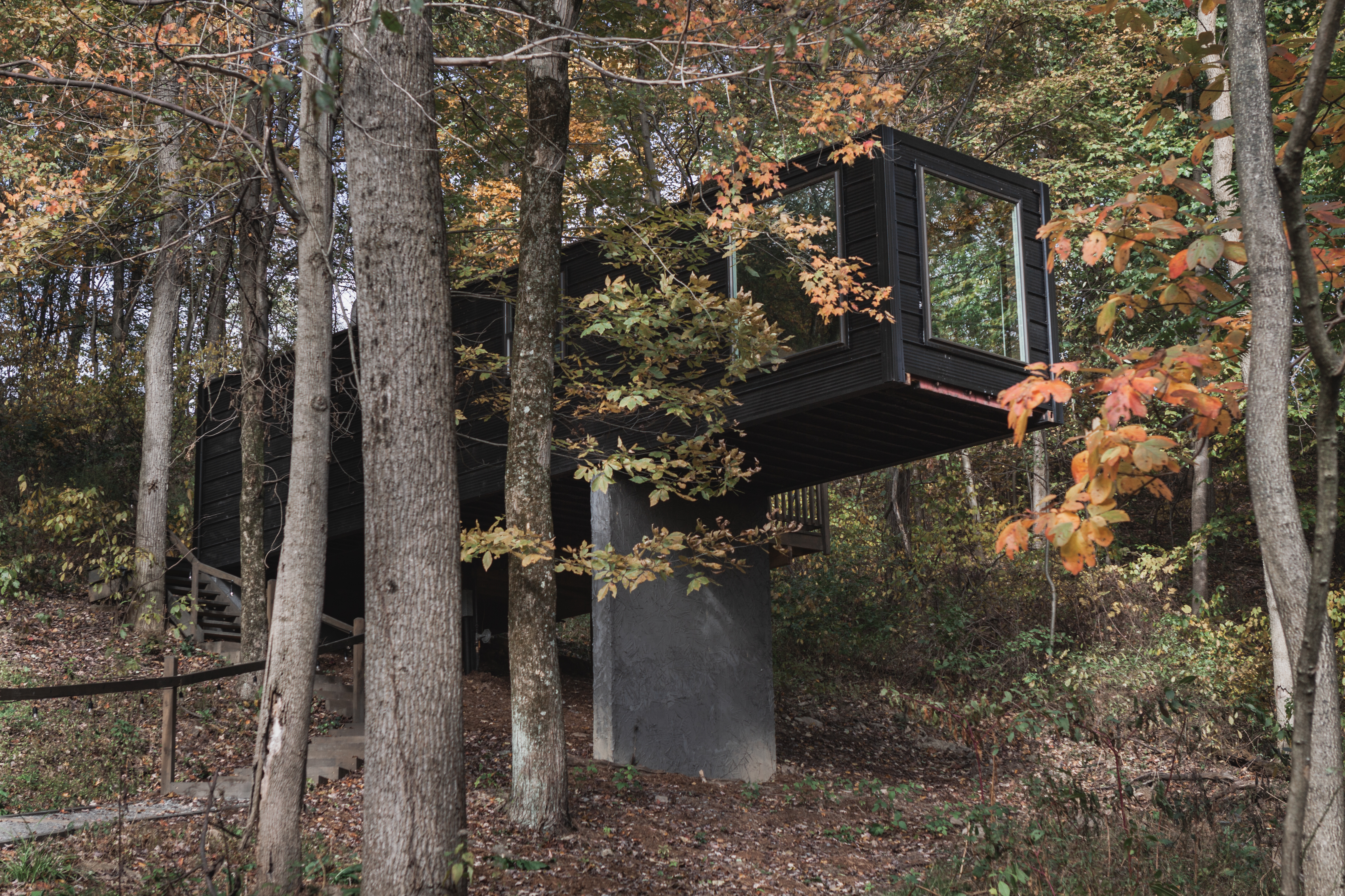 Picture of: Treehouse Village The Box Treehouses For Rent In Dundee Ohio United States