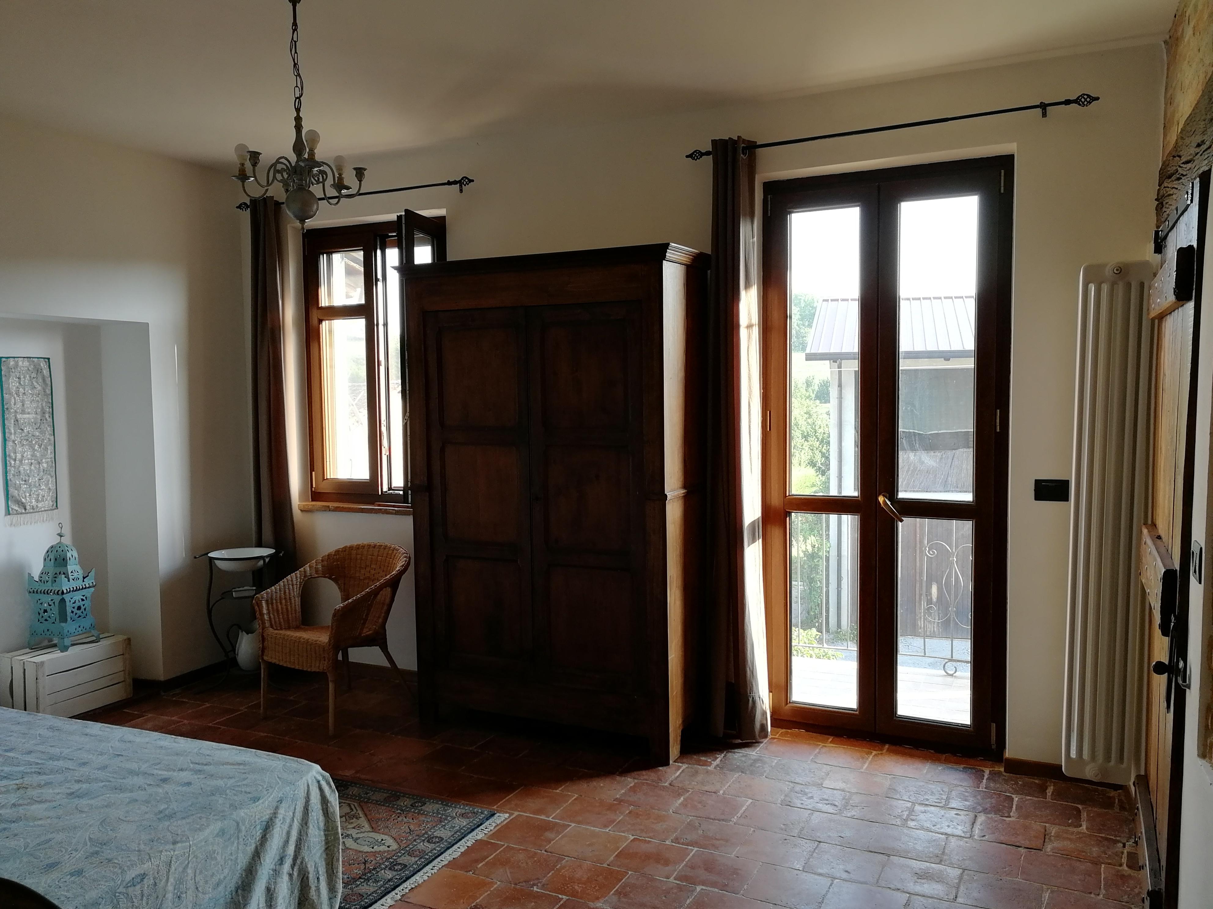 Da Bilocale A Trilocale scapa da ca' 3 bilocale+trilocale - houses for rent in