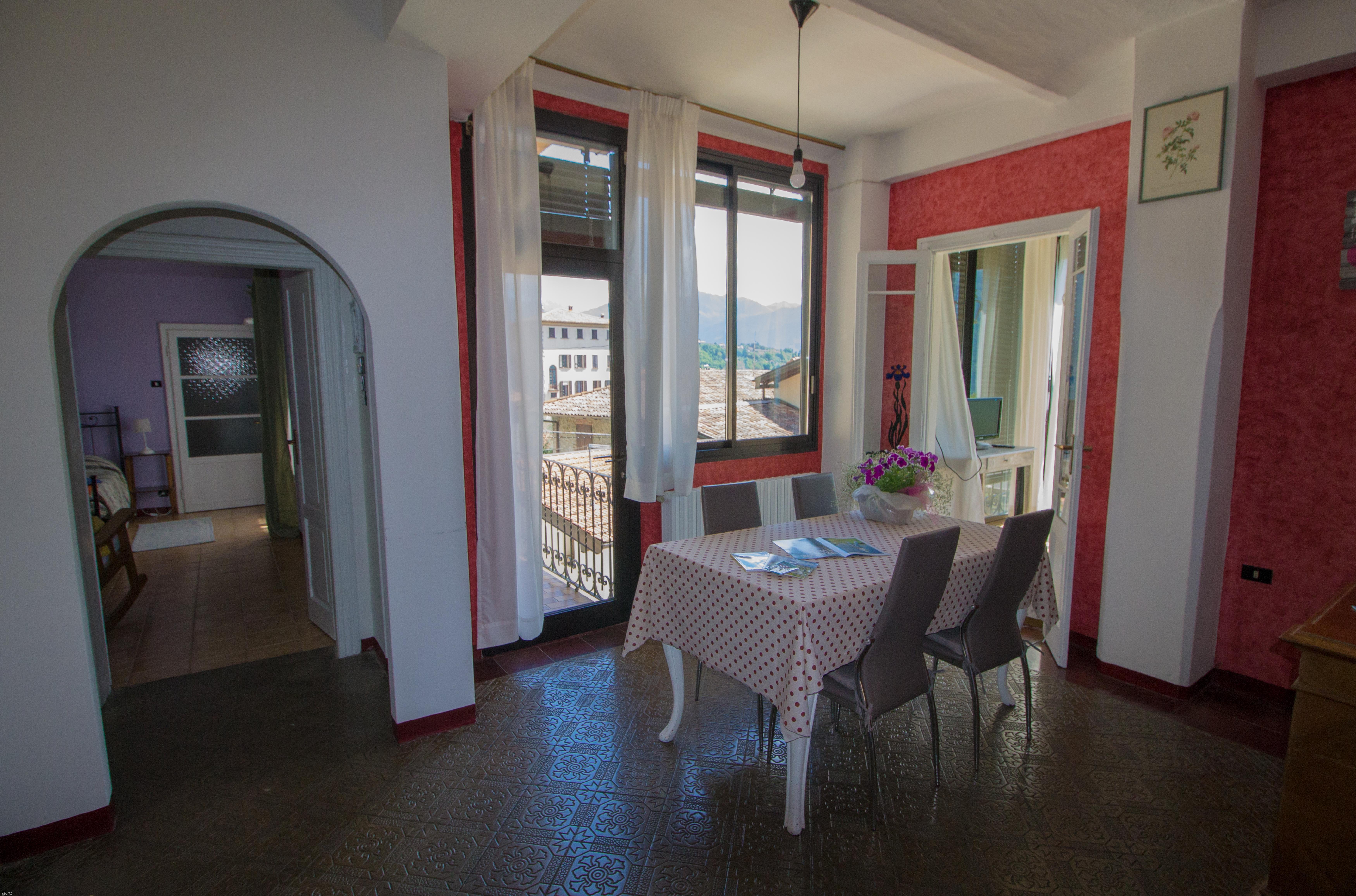 """Spazio Casa Azzano X comolake """"veranda with fabulous lakeview"""" garden"""