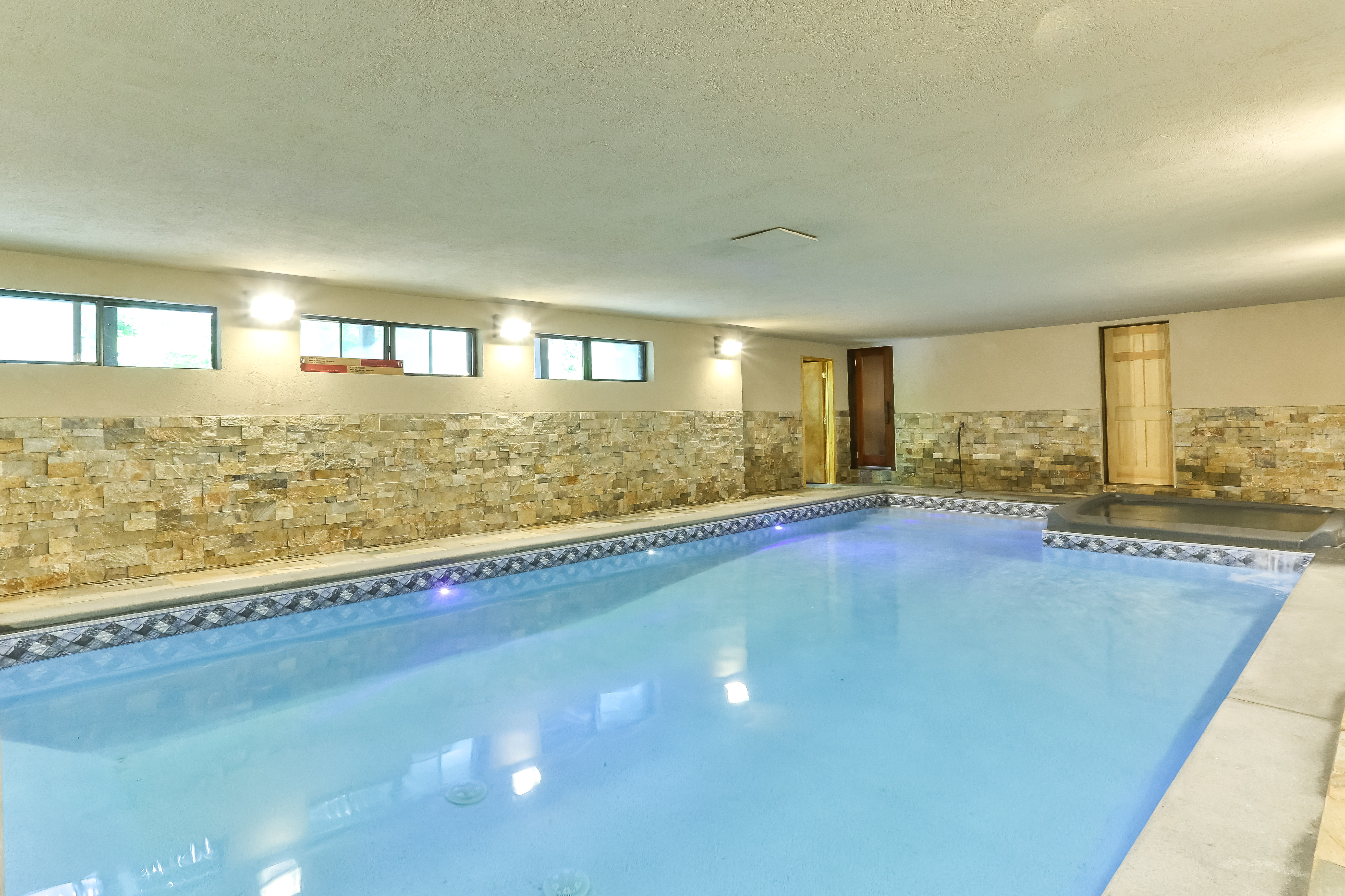 New Indoor Pool Hot Tub In Catskills Walkto Hunter Houses For Rent In Hunter New York United States