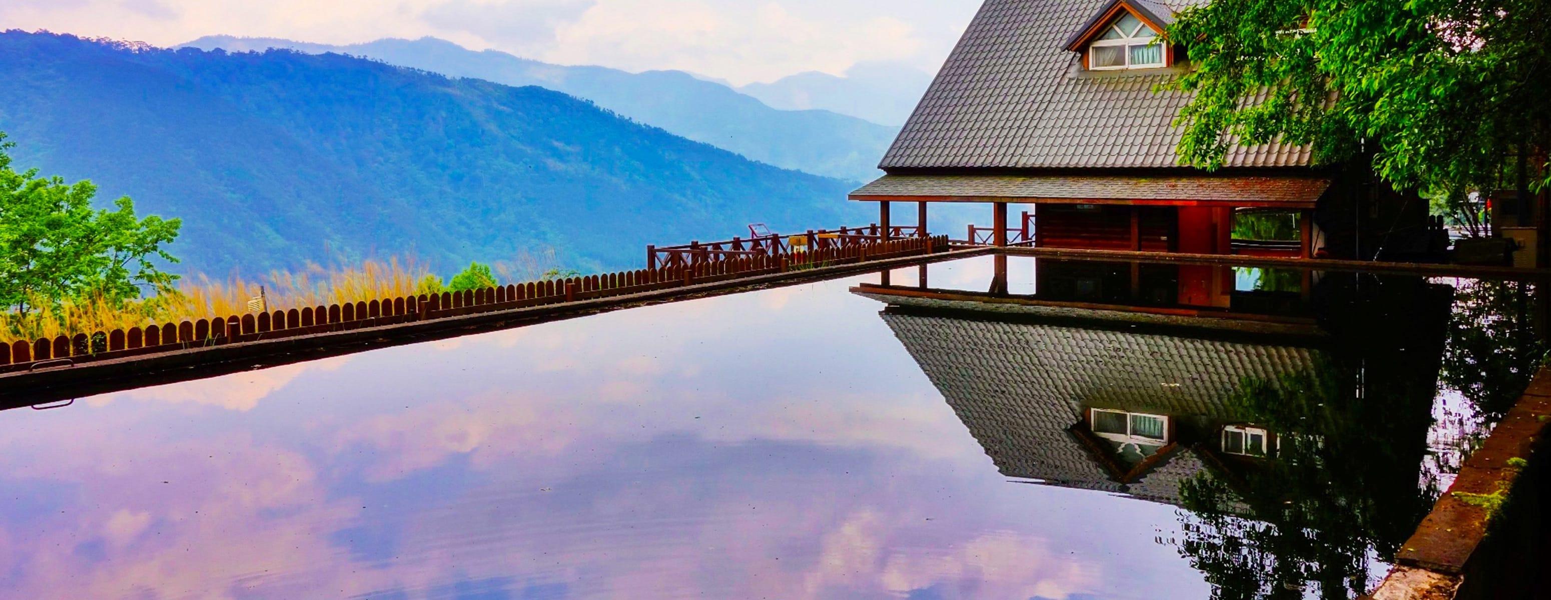 Vacation rentals in Sanmin District